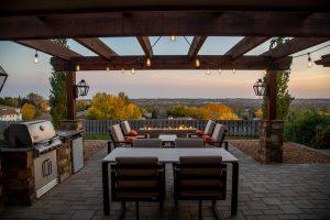 La pergola bioclimatique vous permet de profiter pleinement de votre terrasse